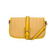 Such an adorable little summer bag!