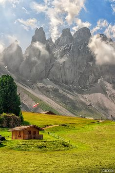 Summer in Funes, Südtirol, home, Italy Places Around The World, Oh The Places You'll Go, Places To Travel, Places To Visit, Around The Worlds, Siena Toscana, Wonderful Places, Beautiful Places, Nature Landscape
