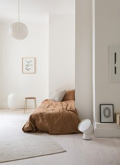 10 Ingenious Clever Tips: Feminine Minimalist Decor House cozy minimalist home color palettes.Cozy Minimalist Home Color Palettes modern minimalist living room wood. Minimalist Home Decor, Minimalist Living, Minimalist Interior, Minimalist Kids, Minimalist Kitchen, Small Minimalist Bedroom, Minimal Bedroom Design, Interior Exterior, Home Interior Design