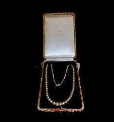Vintage MIKIMOTO Pearl Necklace Jewelry Box and MIKIMOTO Silver Clasp #Mikimoto #PearlStrandJewelryBoxClasp