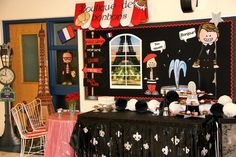 Transform your school into a boutique from paris, france! French Classroom Decor, Classroom Decor Themes, New Classroom, Classroom Setting, Classroom Displays, Classroom Ideas, French Bulletin Boards, Teacher Bulletin Boards, French Cafe Decor