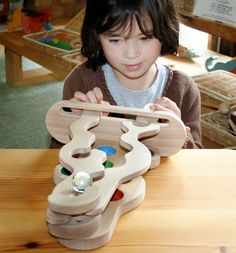 Břichopas about toys: wooden toys / wooden toys
