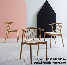 Kursi Cafe Minimalis Model J merupakan kursi cafe dengan desain minimalis modern berbahan kayu sungkai solid warna natural melamic cocok untuk cafe anda.