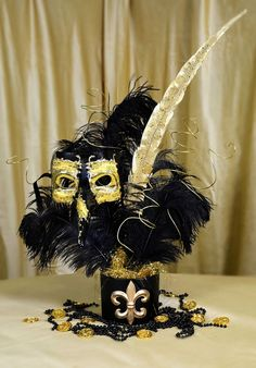 Black & Gold Masquerade Mask Centerpiece Tutorial