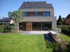 Village House Design, Village Houses, Modern House Design, Ramen, Brick, Gardens, Patio, Outdoor Decor, Home Decor