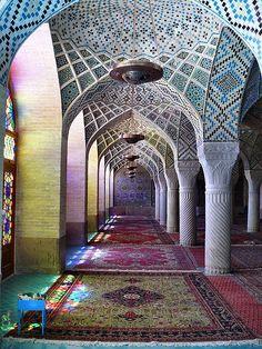 Life In Color: Nasir Al-Mulk Mosque