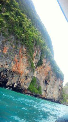 Phi phi island.. uncommon trip