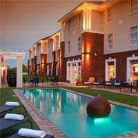 Set in a prime location of Mafikeng, Protea Hotel Mahikeng puts everything the city has to offer just outside your doorstep. The property features a wide range of facilities to make your stay a pleasant experience. Take advantage of the hotel's free