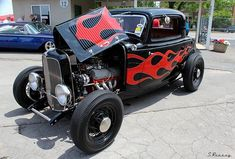 Living The Highboy Life Vintage Cars, Antique Cars, 1932 Ford, Flat Head, Street Rods, Custom Cars, Best Sellers, Hot Rods, Have Fun