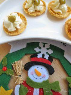 Especial Navidad: Canapés de Snatt's de Queso, Tomate y Orégano con Queso Crema y Mostaza de Eneldo / Party appetizers with cream cheese and dill special mayo
