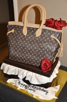 "Louis Vuitton ""Neverful"" Cake.bag only  I like the neverfull bag....no base...no ruffles"