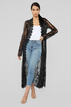 Caught In My Feelings Lace Kimono - Black Classy Outfits, Chic Outfits, Trendy Outfits, Fashion Outfits, Lace Cardigan Outfit, Black Lace Kimono, Mode Kimono, Mode Abaya, Kimono Fashion