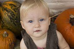 Celine leah fotografie / fotograaf gevestigd in Gemert  Leuke herfst fotosessie met kleine Roos !  www.celineleah.nl