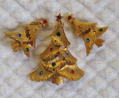 Vintage Christmas Tree Brooch and matching earrings by vintagous, $20.00
