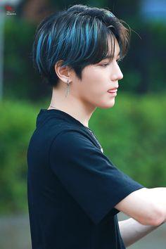 NCT Taeyong New Wallpaper Collection Nct Taeyong, Nct 127, Pelo Ulzzang, Kpop Hair Color, Men Hair Color, Nct Dream, Stoff Design, Boy Hairstyles, Jaehyun