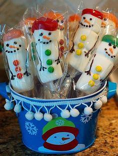 Marshmallow Snowman Pops