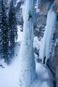 El Fang, un pilar de 100 metros de hielo de alta en Vail en Fairplay, Colorado