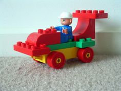 This site has a ton of fun building ideas with Lego Duplo. Love this DIY Ferrari Formula 1 race car.