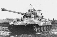 """Panzer VI Tiger II """"Königstiger"""" in ambush camouflage pattern"""