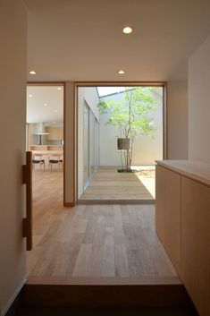 ここではインテリアデザインの写真を見つけられます。インスピレーションを得てください! Bedroom Minimalist, Minimalist Home, Minimalist Interior, Casa Patio, Japanese Interior Design, Japanese House, Japanese Living Rooms, Japanese Modern, House Entrance