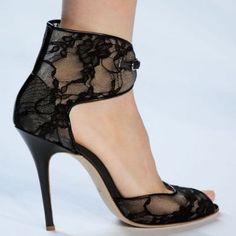 Zapatos Elegantes para Damas - Para Más Información Ingresa en: http://zapatosdefiestaonline.com/2013/10/03/zapatos-elegantes-para-damas/