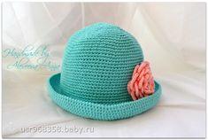 Бирюзовая летняя шляпка крючком