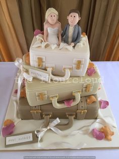 Suitcase wedding cake, for a couple off on a travelling adventure.