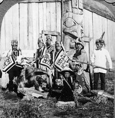 A potlatch is an important Northwest Coast ceremony which involves public demonstrations of inherited privileges. North American Tribes, Native American Photos, American Indian Art, Native American History, Native American Indians, Native Americans, Haida Gwaii, Haida Art, Tlingit