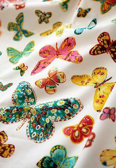 Butterfly in Multi, 174900. http://www.fschumacher.com/search/ProductDetail.aspx?sku=174900 #Schumacher #luludk