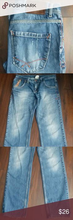 "🍁 Ladies Light wash distressed Zara Jeans-size 10 Straight leg ZARA Light Blue Wash Distressed Jeans. Distressed detailing throughout. Can be paired with your favorite tops and is a style that can be dressed up or down. Cute zipper pocket on the right side. Made in Turkey. Tag says 32, but measurements are: Rise 9"", Inseam 32"" & Waist measures 16"" from side to side. 100% Cotton Zara Jeans Straight Leg"