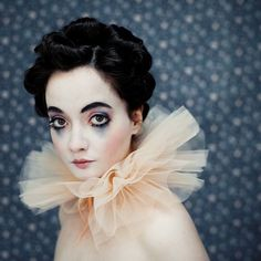 Andrea Hübne soft clown look with emphasis on big eyes