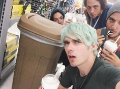 Look guys Waterparks took a picture with me.