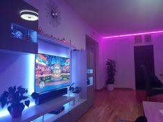 iWohnung Stojadinovic Software, Hangout Room, Neon Room, Gaming Room Setup, Color Changing Lights, Mood Light, Netflix And Chill, Sonos, Living Room Lighting