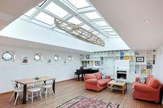 cristales en el techo del salón
