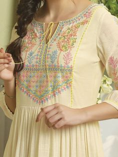 Embroidery On Kurtis, Kurti Embroidery Design, Embroidery Neck Designs, Embroidery Fashion, Printed Kurti Designs, Simple Kurti Designs, Kurta Designs Women, Dress Neck Designs, Bridal Blouse Designs