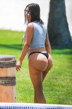Kim Kardashian Loses 100000 Fans Over Unairbrushed Bikini Pics