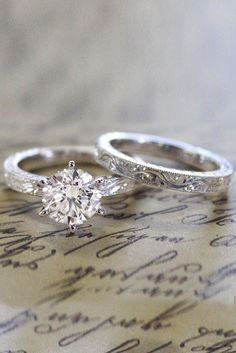 Vintage Wedding Rings For Brides Who Love Classic ★ See more: https://ohsoperfectproposal.com/vintage-wedding-rings/ #engagementring #proposal