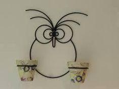 Risultati immagini per artesanias en hierro porta macetas Metal Projects, Welding Projects, Scrap Metal Art, Metal Wall Art, Wire Crafts, Metal Crafts, Metal Bender, Wrought Iron Decor, House Plants Decor