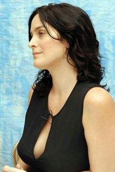 Best Carrie Anne Moss Leaked Photo In Public 2016 Hollywood Celebrities, Hollywood Actresses, Female Actresses, Actors & Actresses, Trends 2018, Beautiful Celebrities, Beautiful People, Salma Hayek Body, Carrie Anne Moss