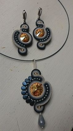 learn from beebeecraft how to Soutache Pendant, Soutache Necklace, Beaded Earrings, Beaded Jewelry, Handmade Jewelry, Handmade Necklaces, Ribbon Jewelry, Fabric Jewelry, Shibori