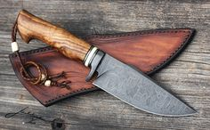 Best Hunting Knives on the Market - Hunting Expert Cool Knives, Knives And Tools, Knives And Swords, Damascus Blade, Damascus Steel, Best Hunting Knives, Hunting Guns, Knife Tattoo, Forged Knife