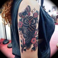 Búho, tatuaje, vieja escuela