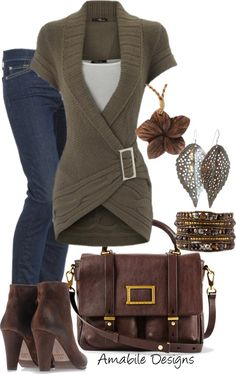 Love that this sweater has short sleeves and covers the top of jeans..i love the leaf jewelry
