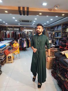 Mens Wedding Wear Indian, Wedding Kurta For Men, Mens Indian Wear, Mens Ethnic Wear, Wedding Dresses Men Indian, Indian Groom Wear, Wedding Dress Men, India Fashion Men, Indian Men Fashion