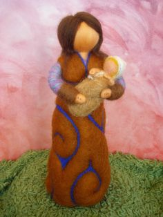 Mother with baby - personalized gift, felted, waldorf inspired, by Naturechild Felt Fairy, Clay Baby, Personalized Baby Gifts, Love Craft, Parent Gifts, Mother And Baby, Felt Dolls, Custom Dolls, Corporate Gifts