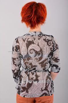Блуза В1293  Цена: 490 руб    Полупрозрачная стильная блуза с округлым вырезом горловины.  Выполнено из легкого материала с нежным рисунком.  Состав: 100 % шифон.  Рост модели на фото: 156 см.  Страна производитель: Россия.  Размеры: 42-48     http://odezhda-m.ru/products/bluza-v1293     #одежда #женщинам #блузкирубашки #одеждамаркет