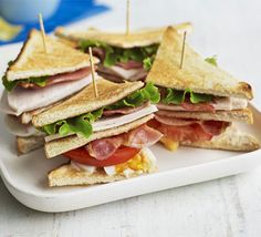Club sandwich - cooking tips - Sandwich Recipes Dinner Recipes For Kids, Healthy Dinner Recipes, Kids Meals, Healthy Snacks, Bbc Good Food Recipes, Yummy Food, Tasty, Club Sandwich Recipes, Food Porn