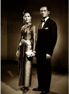 His Majesty King Bhumibol Adulyadej and Her Majesty Queen Sirikit of the Kingdom of Thailand King Bhumipol, King Rama 9, King Of Kings, King Queen, King Thailand, Queen Sirikit, Bhumibol Adulyadej, King Of The World, Great King