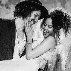"""""""Ich mag es, wenn du lächelst, aber ich liebe es, wenn ich der Grund dafür bin"""" 👩❤️💋👨 Bei diesen beiden Hübschen konnte man ihre Liebe und Zuneigung füreinander beinahe anfassen ❤️ Traumhaft schön, solche Momente miterleben und begleiten zu dürfen 📸🥰 . . . Werbung wg. Verlinkung: Vom Workshop bei @vickybaumann.de Deko & Konzept: @thefeatherette  Weddingplanner: @perfectplan.weddings  Bouquet: @RUNO_Blumen  Ketten: @brunathelabel_ Couple: @naomaclark.official & @nic.castle… Workshop, Couple Photos, Couples, Instagram, Chains, Concept, Advertising, Love, Couple Shots"""