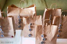 Els que fa temps que seguiu el blog sabreu que els Reis  a casa els agrada que la família s'endugui els regals en una bossa ben bonica i pe...
